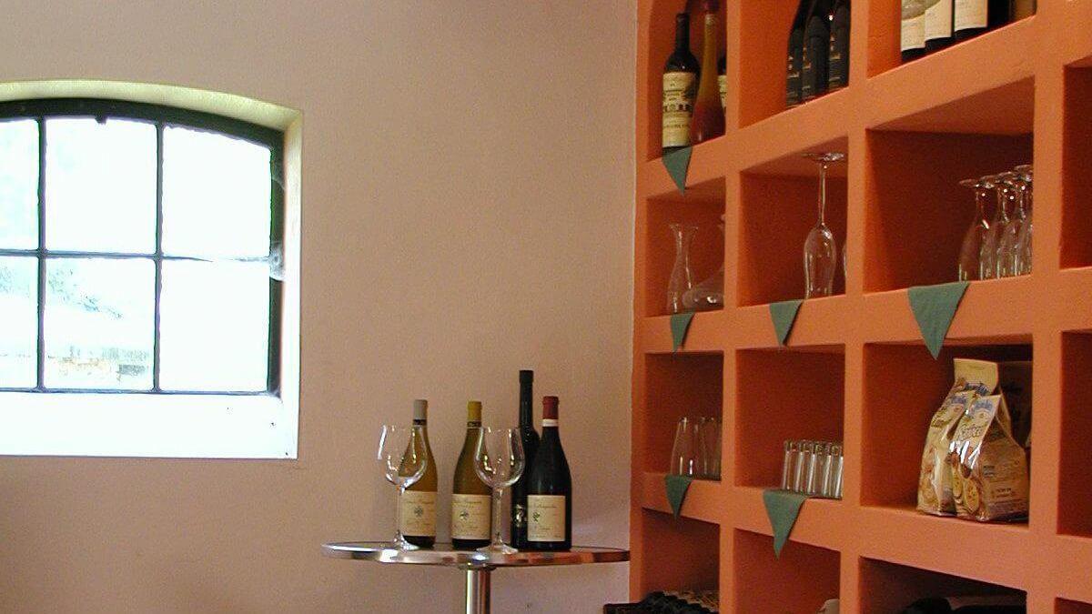 viele weitere Kleinigkeiten finden Sie auch in unserem Weinkeller!
