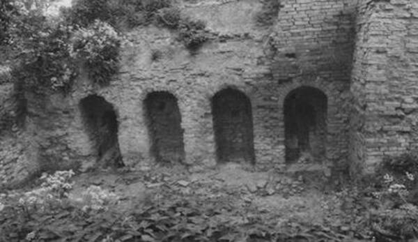Ruine des Brennofens von 1724. | Ferienwohnungen Müritz - Alte Ziegelei