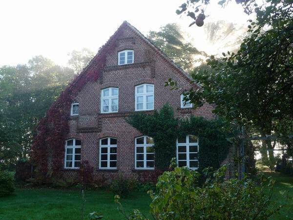 Wohnhaus der Gastgeber 2010. | Ferienwohnungen Müritz - Alte Ziegelei
