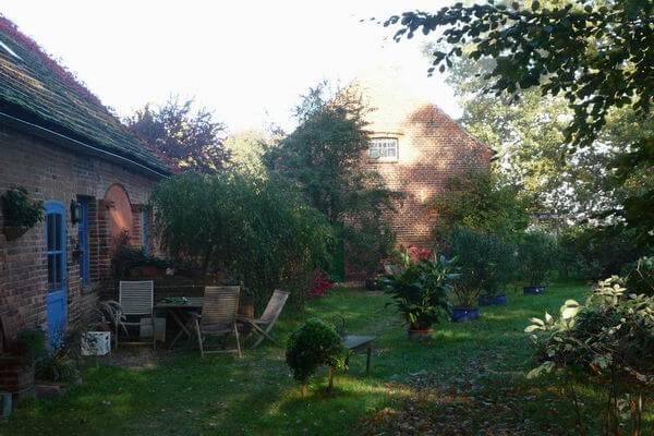 Weg zum Ferienhaus. | Ferienwohnungen Müritz - Alte Ziegelei