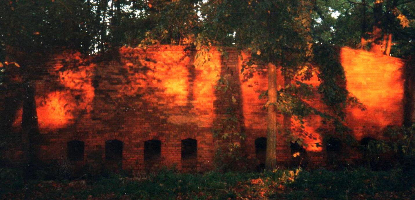 Ehemaliger Brennofen im Sonnenuntergang. | Ferienwohnungen Müritz - Alte Ziegelei