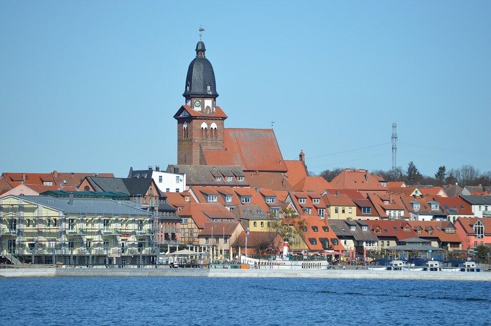 Hafen in Waren. | Ferienwohnungen Müritz - Alte Ziegelei